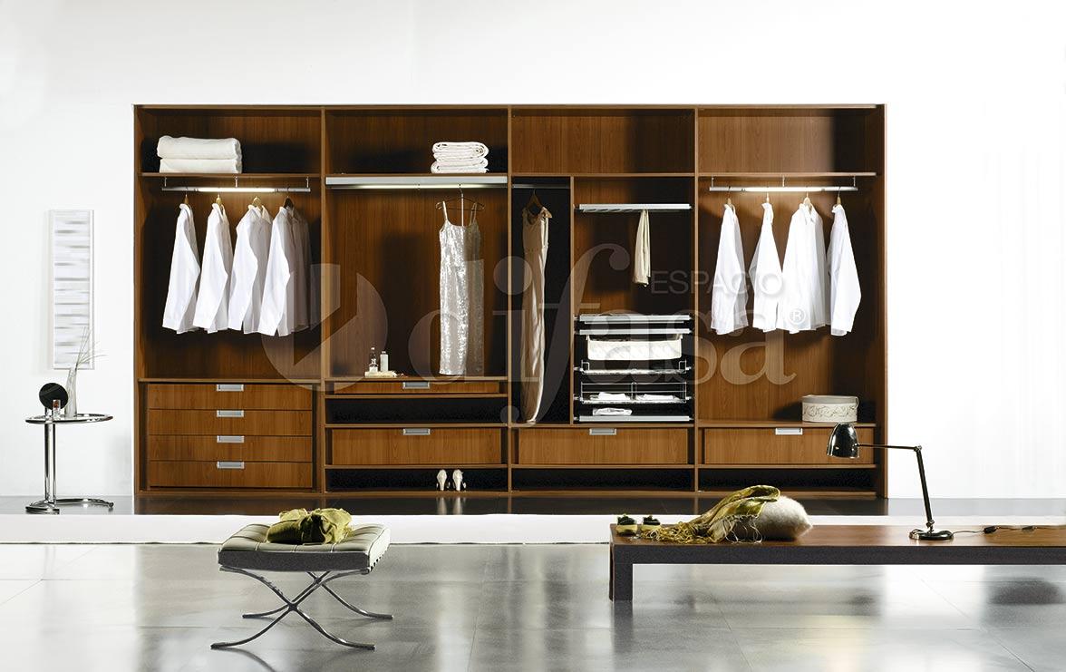 Interiores de armarios difasa espacios y armarios a medida for Diseno interior de armarios